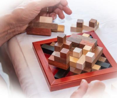 Würfel, Pyramiden und Steckpuzzles